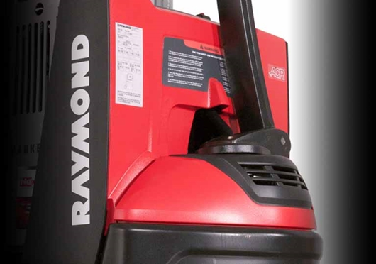 Raymond 6210 Walkie Straddle Stacker; Walkie Pallet Stacker with polycarbonate cover