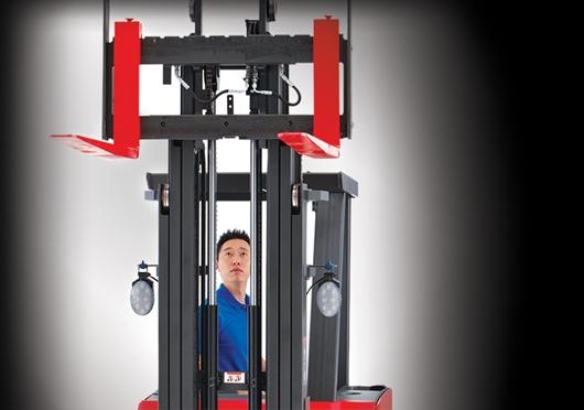 Raymond Forklift Trucks Lift Truck Fleet And Warehouse